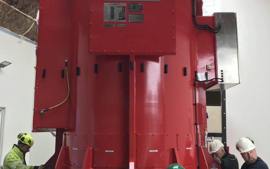 Generator-montasje i Røfsdalselva kraftstasjon